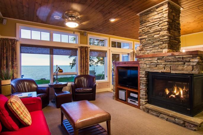3br-cottage-living-room