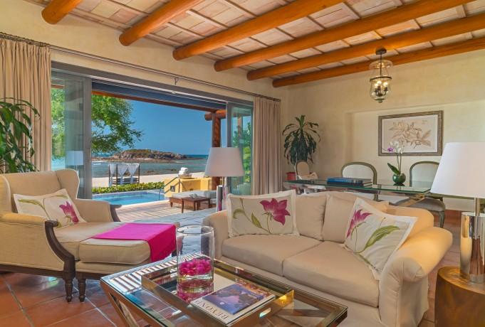 one-bedroom-beachfront-villa-living-room